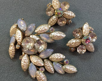 Nice Large Vintage Rhinestone Brooch and Clip Earrings-as is.  Free Shipping .