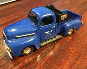 Vintage 1951 Ford Pickup 1/24 Scale Bank, Wheels Work, Key Included