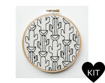 Cactus Embroidery Kit, Modern Blackwork, DIY Gift Idea, Hand Embroidery Kit, Cacti Blackwork, Nature Embroidery Kit, Blackwork Embroidery