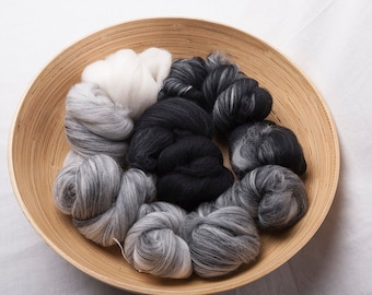 Super soft White to black gradient batt in merino, suitable for spinning or felting (160041)