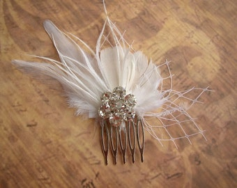 Feather Hair Comb, Wedding Accessories, White Feathers Hair Piece, Feather Bridal Headpiece, Rhinestones Hairpiece, Feather Hair Clip
