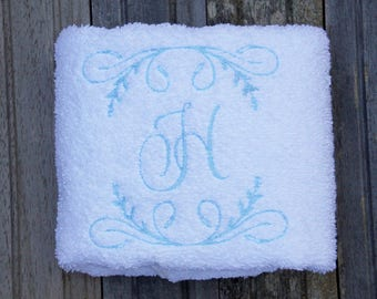 Embroidered bath hand towel, monogrammed bath towel, embroidred hand towel