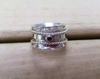 Triple spinner ring with amethyst