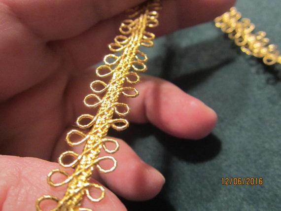 "Brilliant gold metallic trim, 1/2"" x 5 yards"