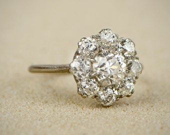 Vintage Diamond and Platinum Cluster Ring. Vintage Engagement Ring. Circa 1950