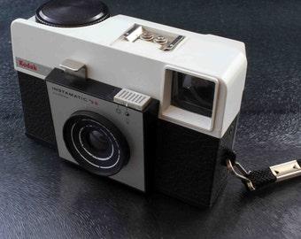 Vintage Kodak Instamatic 25 Film Camera