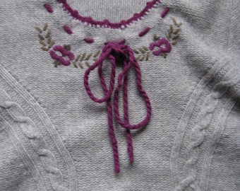 Vintage Lambswool Grey Berry Embroidered Sweater M