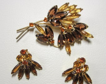 Vintage Jewelry - Rhinestone Brooch Pin with Matching Earrings - Shades Of Topaz Gold and Brown
