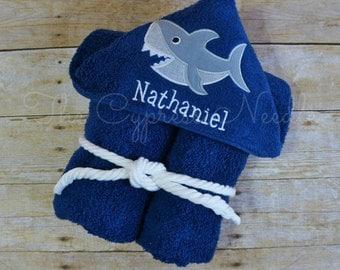 Shark Hooded Towel, Beach Hooded Towel, Shark Towel, Toddler Hooded Towel, Kids Bath Towel, Personalized Towel, Sea Life Hooded Towel