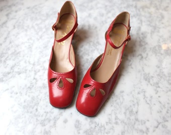 1970s Cut Out Mary Janes { 9.5 } Vintage 70s Red Perforated Leather Heels >> Deadstock Shoes