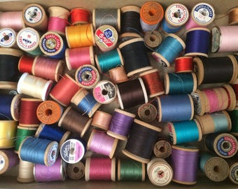 Wooden Spools, Vintage Seeing Notions, Thread, Colorful Decor, Pop Of Color, Wood Spool Lot, Repurposed Decor