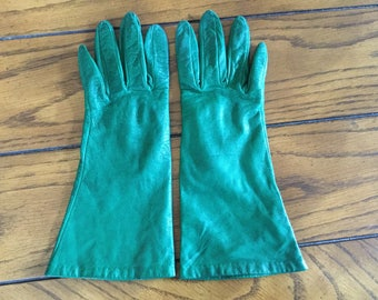 Vintage (1970s) Womens Emeral Green Leather Gloves