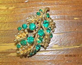 Vintage Signed Star Goldtone Leaf Brooch with Emerald Green Rhinestones