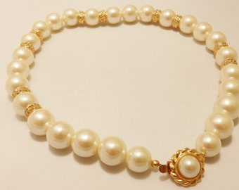 Vintage Gold Tone Faux Pearl and Gold Bead Necklace