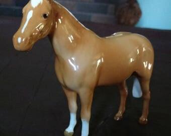 Beswick Pottery Figurine, Gloss Palomino Stallion, Facing Left