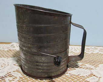 Bromwell Measuring Sifter ~ 5 Cup Hand Crank Flour Sifter ~ Primitive Décor ~ Farmhouse Charm ~ Vintage Country Decor Collection