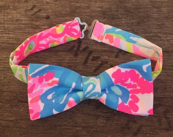 Lilly Pulitzer Lovers Coral Bow Tie