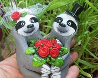 Sloth Wedding Cake Topper - Choose Your Colors - Wedding Cake Topper Polymer Clay Figurines -  CUSTOMIZED for You with your own colors