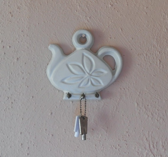 Vintage White Teapot Key Hanger