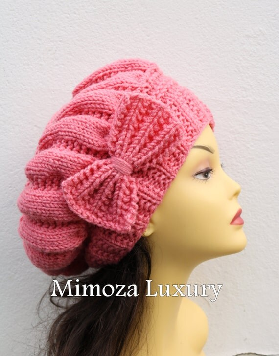 Salmon Woman Hand Knitted Hat with Bow, Beret hat with bow, Salmon knit hat, slouchy knit women's hat with bow, winter hat, salmon women hat
