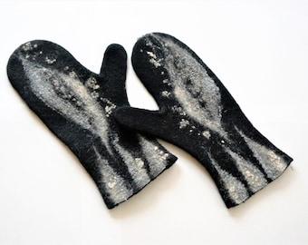 "Handmade  felt mittens for women ""Black and grey"". Mittens of merino wool. Felted warm accessories."