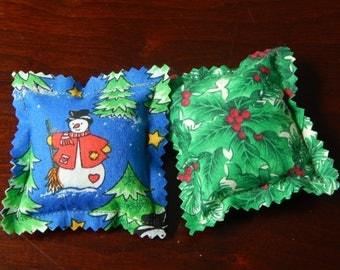 Handmade cat toy - Catnip pillow - Christmas Holly & Snowman - Set of 2