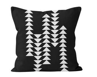 45 colors Printed Modern Flying Geese Pillow Cover, Black and White Triangles Pillow Cover, Geometric Scandinavian Design Black Pillow Cover