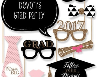 Graduation Photo Booth Props - 2017 Dream Big Photobooth Kit with Custom Talk Bubble for Graduation Parties - 20 Piece Set