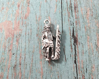 Indian chief charm 3D silver plated pewter (1 piece) - southwestern charms, silver indian chief pendant, old west charms, BB3