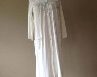 S / 1960's Nylon Housecoat Duster Robe House Dress / Vintage Sleepwear/Loungewear by Shadowline / Small / FREE USA Shipping