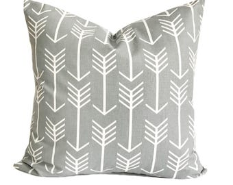 Decorative pillow for couch, 20x20, Gray pillow cover, Gray throw pillow, Accent pillow, Sofa cushion, Arrow pillow, Couch cushion, Zipper