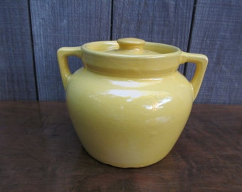 1950's California Pottery ~ Butter Yellow Covered Pot ~ Bean Pot ~ Cookie Jar