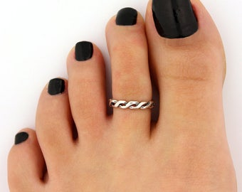 sterling silver 925 toe ring Celtic knot adjustable toe ring Also knuckle ring (T-73)