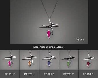 Sterling silver pendant. PE 201