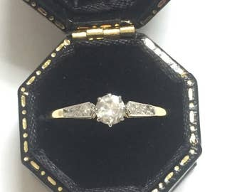 A Diamond  Solitaire 18ct Gold Platinum Ring