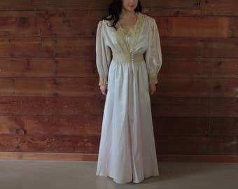 Vintage Radcliffe Nightgown