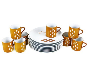 Mid Century Snack Set, 8 Coffee Cups With Snack Plates, Triangle Pattern