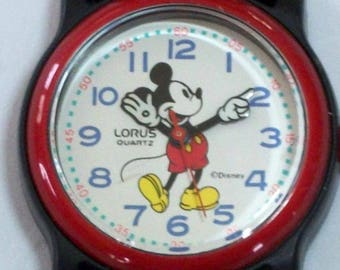Disney Lorus Mickey Mouse Watch! Points To Time! White Gloves! New! Retired! Out of Production!