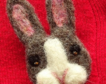 Rustic Brooch, Bunny Brooch, Bunny Pin, Rabbit Pin, Needle Felt Brooch, Rabbit Brooch, Bunny Rabbit, Animal Brooch, Needle Felted Animal