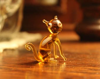 Tiny Amber Glass Cat, Blown Glass Cat, Miniature Glass Cat, Art Glass Cat Figurine, Blown Glass Cat Sculpture, Cat Knick-Knack