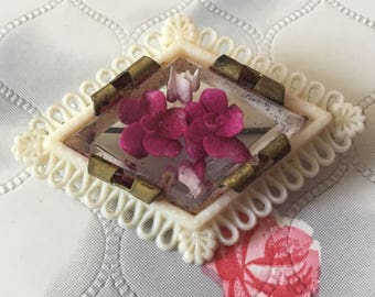 Vintage brooch Reverse carved lucite brooch 1950's brooch plastic jewellery pink roses brooch celluloid 1940s floral mid-century brooch