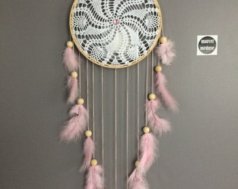 Dream catcher in crochet lace, pink color. Dream catcher / dreamcatcher / dream catcher with lace, feathers and wood beads