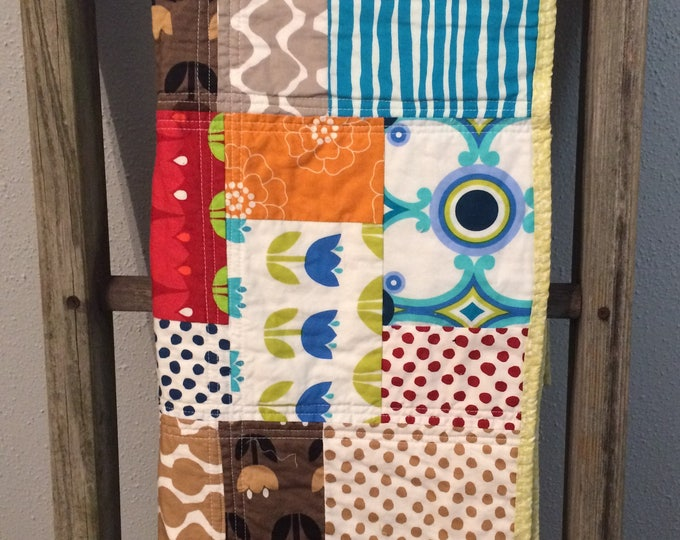 Lap quilt, snuggle quilt, throw quilt, couch quilt, foot topper bed quilt