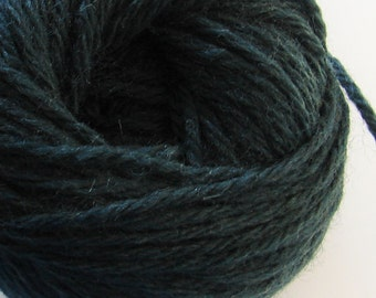 Alpaca yarn ~ green yarn ~ 8oz/skein ~ Knitting yarn~ Crochet yarn ~ yarn for Weaving and Felting