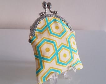 Purse / small coin purse / change purse / coin purse / Kiss lock clasp / clasp purse /gift - Retro print