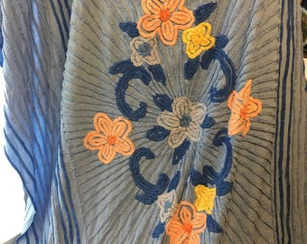 BLue chenille blanket vintage with a apricot light blue designs farmhouse vintage double bed boudoir