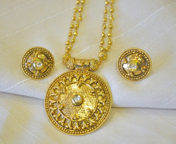 Antique string necklace with kundan stone and stud earrings |Indian Jewellery | Indian Necklace | Temple Jewelry