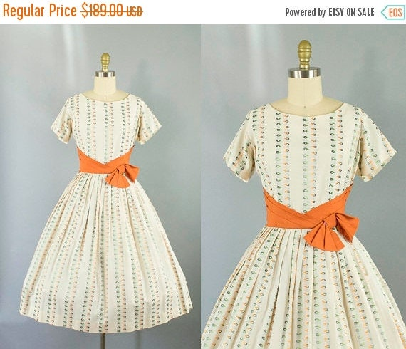 SALE 15% STOREWIDE 1950s cotton novelty print dress/ 50s orange  sash short sleeve dress/ medium
