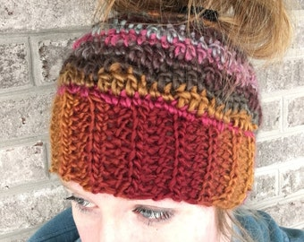 Messy bun beanie, crochet messy bun hat, messy hair hat, ponytail hat, messy bun hat, womans hats, trendy hats, bunboggens