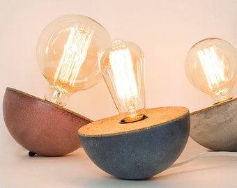 Culbuto, concrete and Cork lamp